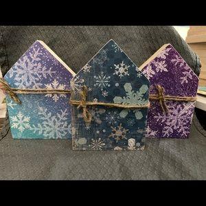 Set of 3 handmade decorative houses Snowflakes